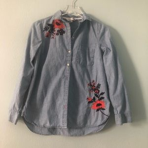 🌸 Old Navy | floral embroidered chambray top